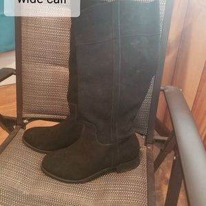 Torrid boots, wide calf size size 10w